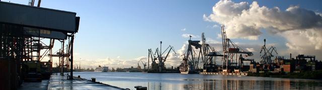 Таможенное оформление в порту Санкт-Петербурга